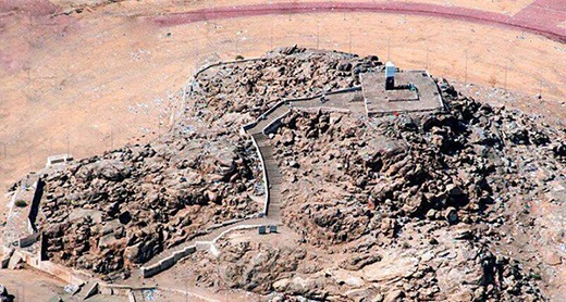 جبل الرحمة، جبل عرفة.. جمعنا الله وإياكم في أرض عرفات الطاهرة.